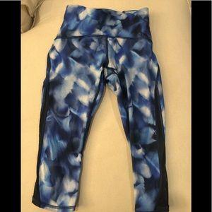 Lululemon Capri printed pants size 4